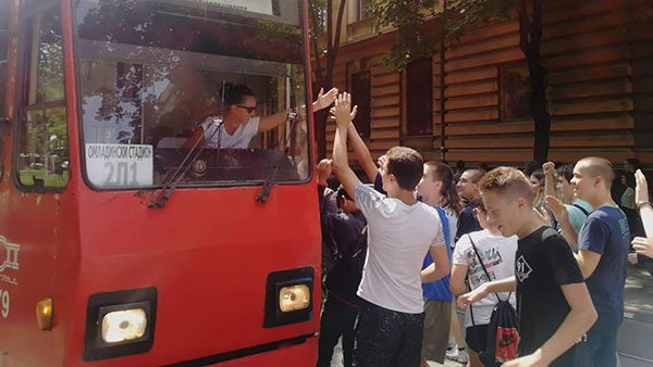 Protest učenika ispred Ministarstva prosvete