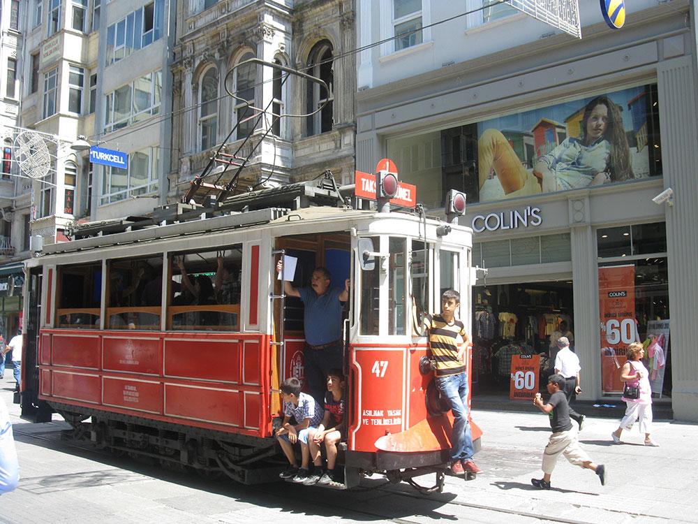 Tramvaj do Taksima, Istanbul, foto: Peščanik