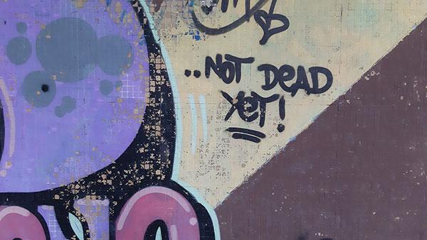 Nisam mrtav, još uvek