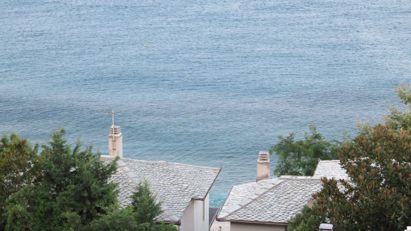 Kameni krovovi Agios Joanisa u podnožju Peliona