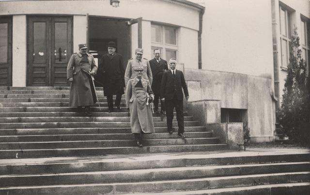 Kralj Aleksandar posećuje novu školu u Skoplju