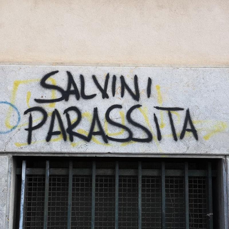 Grafit na zidu u Palermu: Salvini Parassita