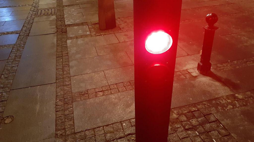 crveno svetlo na semaforu