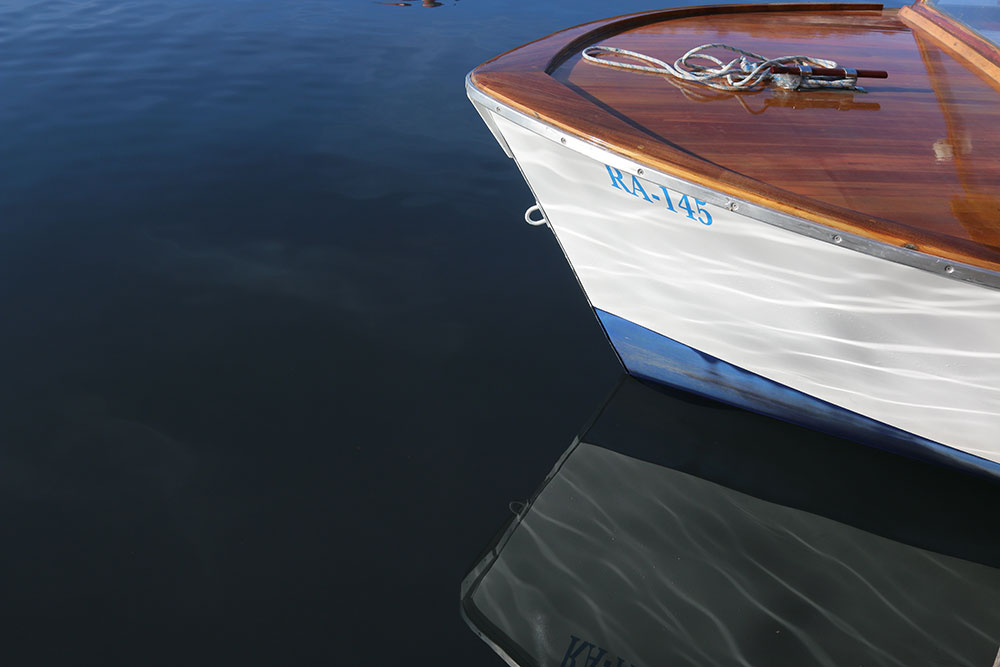 barka na moru