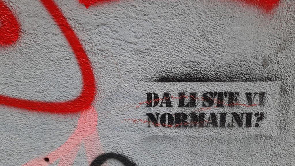 Stensil na zidu: Da li ste vi normalni?
