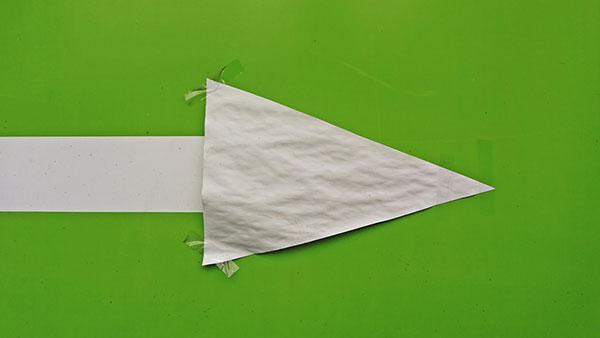 strelica od belog papira
