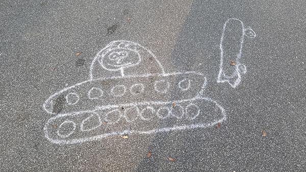 tenk nacrtan kredom