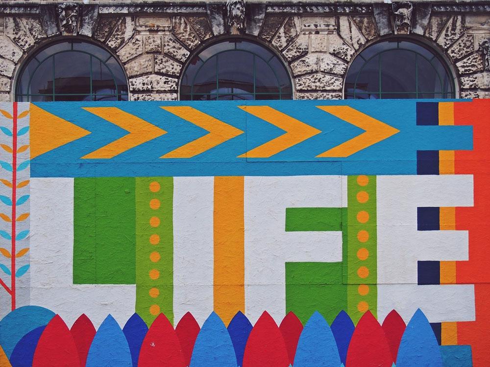 Life - napisano na zidu