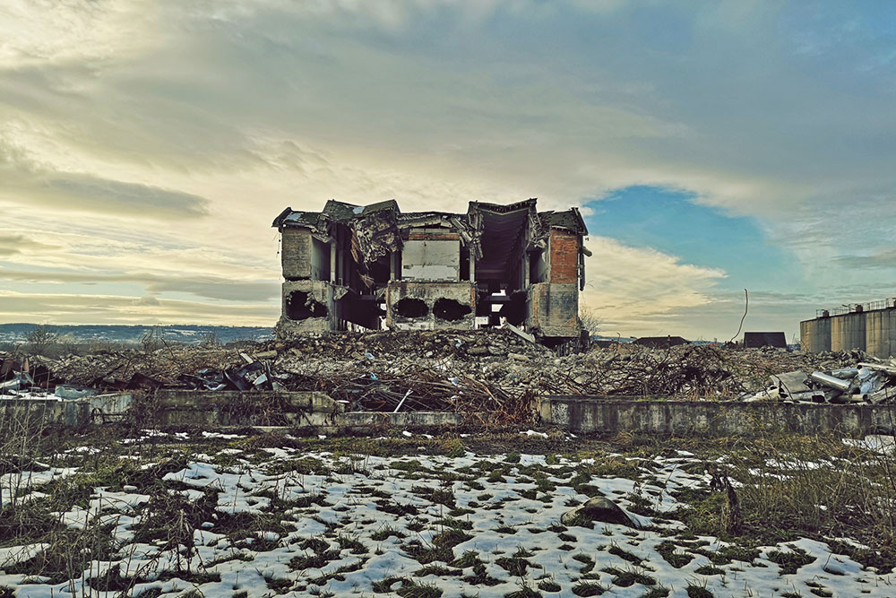Urušena zgrada Krajina vina, blizu Negotina