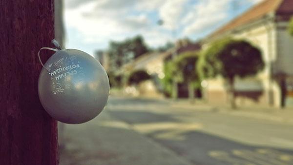 balon na kome piše: Srećan rođendan