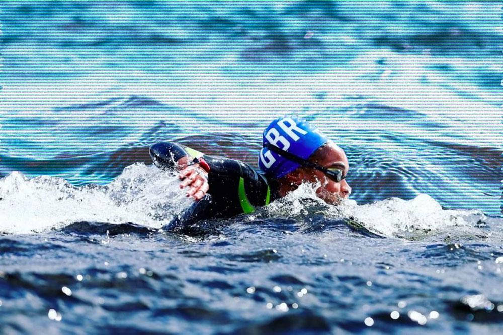 žena pliva