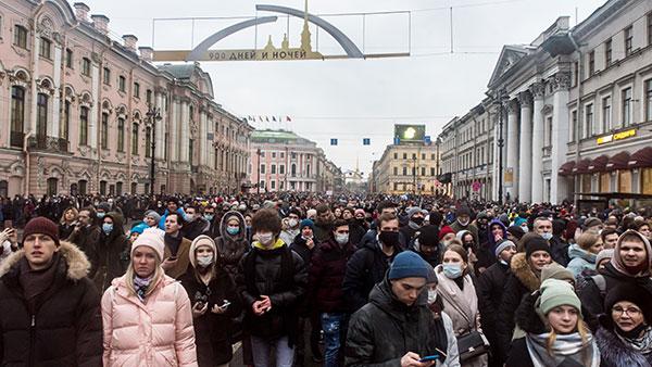 Protesti podrške Navaljnom, Nevski prospekt, Sankt Peterburg, 24. januar 2021.