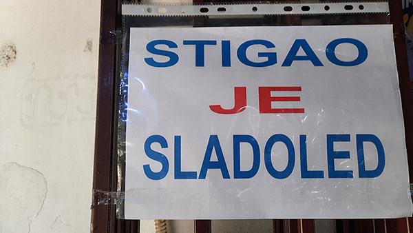 Reklama: Srigao je sladoled