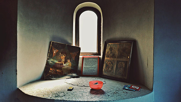 improvizovani oltar za hrišćanske molitve