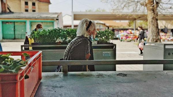 žena na pijaci