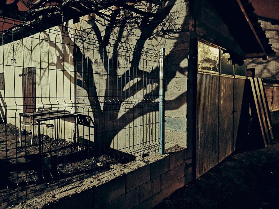 senke na zidu kuće