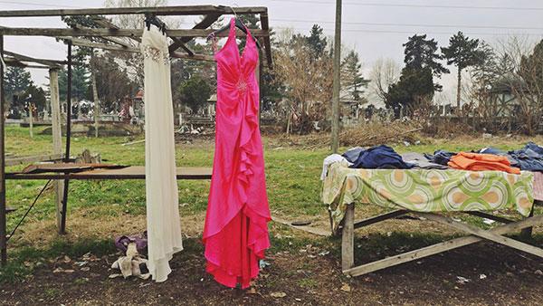 Haljine na prodaju na buvljaku