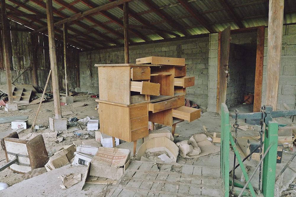 napuštena i razrušena zgrada