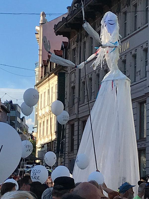 Ljubljana, 25.6.2021, figura Slobode, foto: Božidar Slapšak