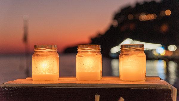 tri sveće