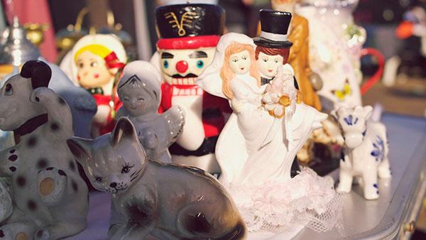 porcelanske figurice sa mladencima